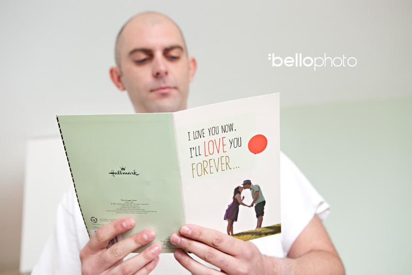 groom reads card