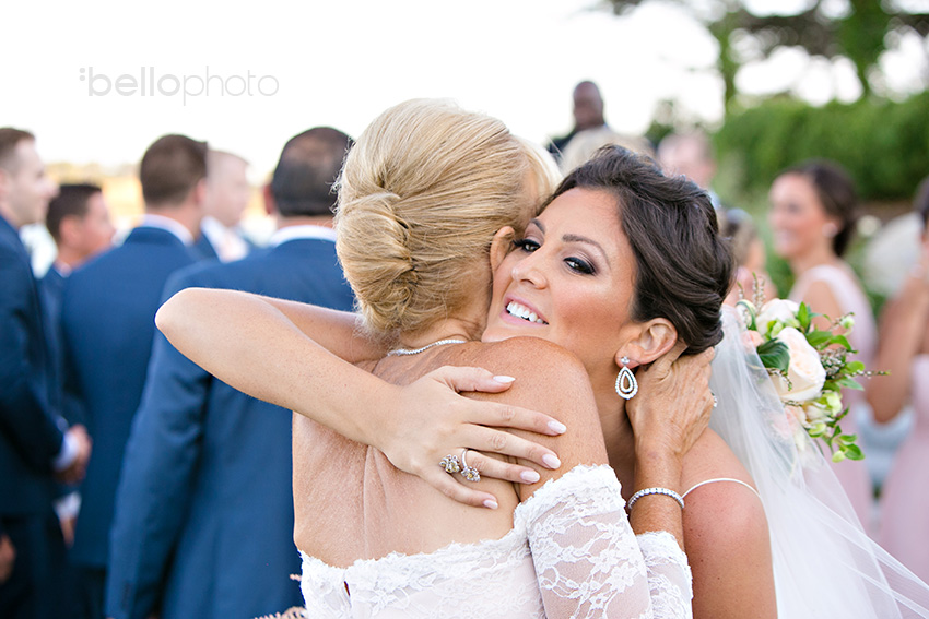 bride & mom hug